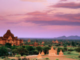 Pink Sky From Swesandaw Paya, Bagan, Myanmar (Burma) Fotografisk tryk af Anthony Plummer
