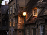 A Streetlamp Illuminating Several Stone Buildings, Stamford, United Kingdom Lámina fotográfica por Glenn Beanland