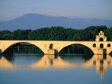 Pont Saint Benezet (Le Pont D' Avignon) Across the Rhone River, Avignon, France Fotodruck von John Elk III