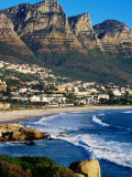 Overhead of Camps Bay with Twelve Apostles in Background, Cape Town, South Africa Fotografisk tryk af Pershouse Craig