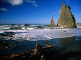 Rialto Beach, Rock Formations and Driftwood in the Wet Sand in Olympic National Park, Washington Photographic Print by Mark Newman