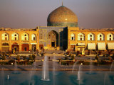 Overhead of Fountains Outside Sheikh Lotfollah Mosque, Emam Khomeini Square, Esfahan, Iran Reproduction photographique par Mark Daffey