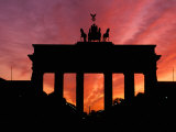 Brandenburg Gate, Unter Den Linden, Berlin, Germany Photographic Print by Dave Bartruff