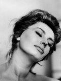 Portrait of Actress Sophia Loren with Eyes Closed Premium fotoprint van Alfred Eisenstaedt