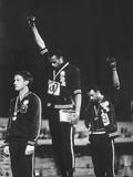 Black Power Salute, 1968 Mexico City Olympics Reproduction photographique Premium par John Dominis