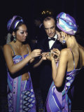 Fashion Designer Emilio Pucci with Young Women Wearing His Designs Premium Photographic Print by Bill Eppridge