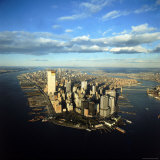 Aerial View of Manhattan from New York Harbor Fotografisk tryk af Henry Groskinsky