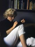 Marilyn Monroe Writing at Home Kunst på metall av Alfred Eisenstaedt