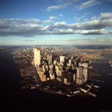 Aerial View of Lower Manhattan Skyline with Nearly Completed World Trade Center Towers Fotografisk tryk af Henry Groskinsky