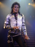 Pop Entertainer Michael Jackson Singing at Event Reproduction photographique sur papier de qualit&#233; par David Mcgough