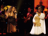 Mariah Carey and Aretha Franklin Vh1 Divas Live Concert at the Beacon Theater Premium Photographic Print by Marion Curtis