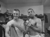 St. Louis Cardinals Roger Maris and Orlando Cepeda in Clubhouse After Game Against Cubs Premium Photographic Print by Lee Balterman