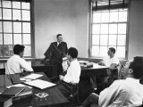 Dr. J Robert Oppenheimer Discussing Quantum Theory with Students at Institute for Advanced Study Premium Photographic Print by Alfred Eisenstaedt