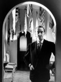 Fashion Designer Emilio Pucci in His Salon Reproduction photographique sur papier de qualit&#233; par David Lees