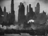 New York Harbor with Its Majestic Silhouette of Skyscrapers Looking Straight Down Bustling 42nd St. Fotografie-Druck von Andreas Feininger