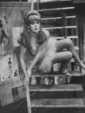 "Actress Lynn Redgrave in the Play, ""Black Comedy"" Premium Photographic Print by Bill Eppridge"