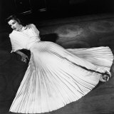 """Portrait of Actress Katharine Hepburn on the Broadway Set of """"The Philadelphia Story"""" Premium Photographic Print by Alfred Eisenstaedt"""