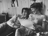 Entertainer Dean Martin Rehearsing a Scene with Actress Shirley MacLaine Premium-Fotodruck von Allan Grant