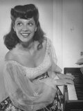 Singer Dinah Shore at Piano Premium Photographic Print by Bob Landry