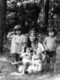 Actress Mia Farrow and Her Children in Martha's Vineyard Premium Photographic Print by Alfred Eisenstaedt