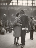 Sailor Kissing His Girlfriend Goodbye before Returning to Duty, Pennsylvania Station Premium Photographic Print by Alfred Eisenstaedt