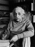 Famed Scientist Albert Einstein in His Study at Home Premium fotoprint van Alfred Eisenstaedt