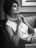 Actress Sophia Loren Fingering Her Pearl Necklace Premium Photographic Print by Alfred Eisenstaedt