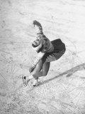 Barbara Ann Scott Making School Figures at the World Figure Skating Contest Reproduction photographique sur papier de qualité par Tony Linck