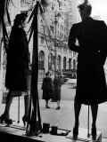 Elegantly dressed Women on Corner of Fifth Avenue and 58th in front of Window of Bergdorf Goodman Photographic Print by Alfred Eisenstaedt
