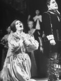 "Opera Singers Joan Sutherland and Richard Tucker in ""Lucia Di Lammermoor"" at the Metropolitan Opera Premium Photographic Print by Alfred Eisenstaedt"