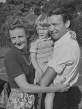 Actor John Mills Posing for a Picture with His Wife and Daughter Juliet Premium Photographic Print by Tony Linck