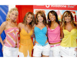 Girls Aloud Photo