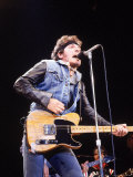 Bruce Springsteen Playing Guitar While Performing on Stage Premium-Fotodruck von Kevin Winter