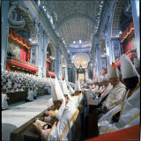 St. Peter's Basilica During the 2nd Vatican Ecumenical Council of the Roman Catholic Church Lámina fotográfica por Hank Walker