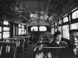 White Women Sitting Empty Bus During the Black Boycott of Bus Companies Throughout the City Premium-Fotodruck von Grey Villet