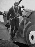 Raf Ace Pilot, South African Albert G. Lewis, After an Engagement with Enemy Planes Fotografie-Druck von William Vandivert