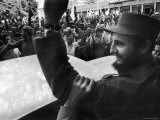 Victorious Rebel Leader Fidel Castro Being Cheered by Crowds on Victorious March to Havana Premium Photographic Print by Grey Villet