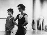 Dancer Mikhail Baryshnikov and Choreographer Twyla Tharp Resting during Rehearsal Premium-Fotodruck von Gjon Mili