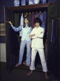 Jane Birkin and Pop Singer Gervase Wearing Mod Outfits Impressão fotográfica premium por Bill Ray