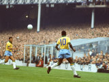 Soccer Star Pele in Action During World Cup Competition Fototryk i hj kvalitet af Art Rickerby