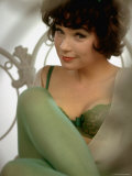 Shirley MacLaine as Irma in Motion Picture Irma La Douce, Directed by Billy Wilder Premium Photographic Print by Gjon Mili