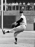 San Francisco Giants Pitcher Gaylord Perry in Action Vs. the N.Y. Mets Premium Photographic Print by Herb Scharfman