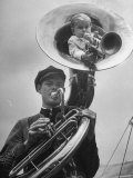 Midget Czech Showman Baron Richard Nowak, Blowing on a Trumpet Photographie par John Phillips