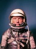 Astronaut John Glenn in a Mercury Program Pressure Suit and Helmet Premium-Fotodruck von Ralph Morse
