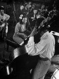 Pianist Mary Lou Williams Playing a Boogie Woogie Selection Reprodukcja zdjęcia premium autor Gjon Mili
