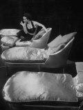 Eartha Kitt, Sitting on Chaise in Scene from New Faces Reprodukcja zdjęcia premium autor Ralph Morse