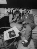 Composer Igor Stravinsky and His Wife Vera Relaxing at Their Hollywood Home Reprodukcja zdjęcia premium autor Gjon Mili