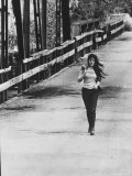 Song Writer Singer Bobbie Gentry Crossing Tallahatchie Bridge Premium-Fotodruck von Michael Rougier