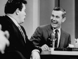 Johnny Carson and Jimmy Breslin Enjoying Conversation During Taping of the Johnny Carson Show Premium Photographic Print by Arthur Schatz