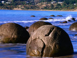 Moeraki Boulders, Moeraki, New Zealand Photographic Print by John Banagan
